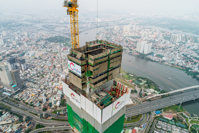 Cận cảnh tòa tháp cao nhất Việt Nam Landmark 81 chuẩn bị cất nóc - Ảnh 7.