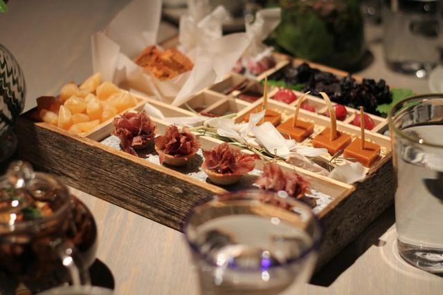 Một trong những nhà hàng ngon nhất thế giới lại nằm ở vùng hẻo lánh, nhiệt độ - 40 độ C và muốn ăn thì phải đặt chỗ trước vài tháng - Ảnh 5.