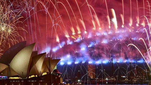 Chùm ảnh: Những khoảnh khắc ấn tượng đón năm mới 2019 khắp nơi trên thế giới - Ảnh 2.