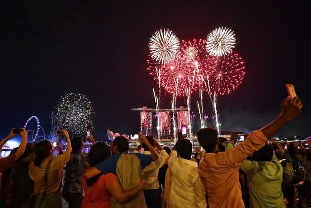 Chùm ảnh: Những khoảnh khắc ấn tượng đón năm mới 2019 khắp nơi trên thế giới - Ảnh 11.