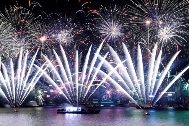 Chùm ảnh: Những khoảnh khắc ấn tượng đón năm mới 2019 khắp nơi trên thế giới - Ảnh 7.