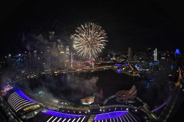 Chùm ảnh: Những khoảnh khắc ấn tượng đón năm mới 2019 khắp nơi trên thế giới - Ảnh 9.