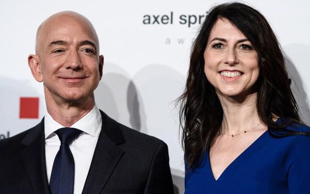 Nhìn lại cuộc hôn nhân 25 năm tưởng như viên mãn của tỷ phú giàu nhất thế giới Jeff Bezos: Người vợ tào khang sát cánh cùng chồng rồi cũng lựa chọn lối đi riêng - Ảnh 4.