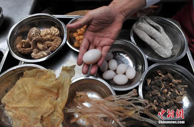 Những món ăn có tên gọi kỳ quặc ở Trung Quốc, đặc biệt là cái số 3 khiến ai nghe cũng bật cười - Ảnh 2.