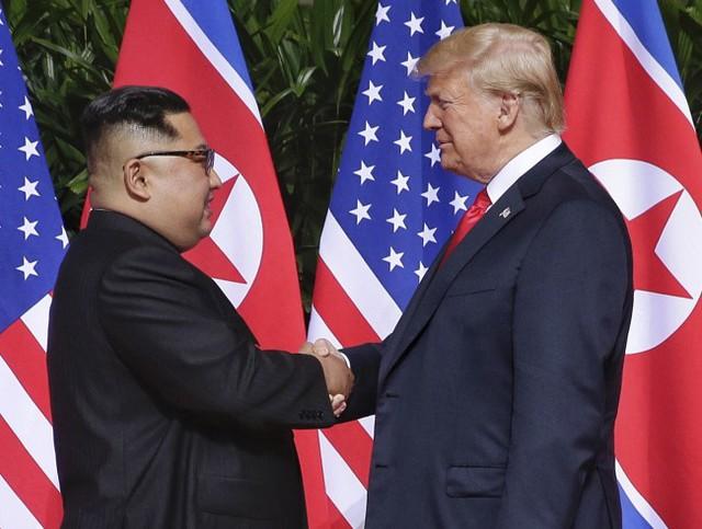 Tổng thống Trump đề nghị gặp ông Kim Jong-un tại Việt Nam vào giữa tháng 2 - Ảnh 1.
