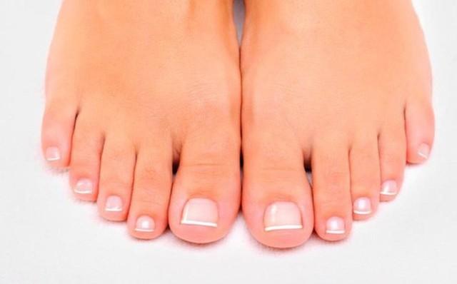 Bàn chân và những dấu hiệu cảnh báo bệnh tật - Ảnh 2.