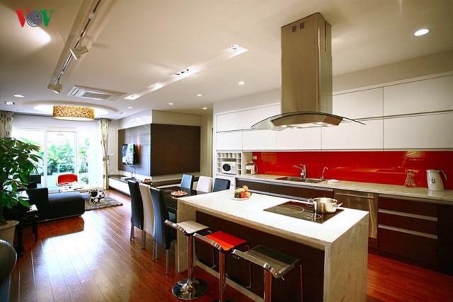 Ngôi nhà sinh động hơn với những điểm nhấn nóng - Ảnh 8.