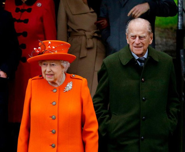 Vận xui đeo bám Hoàng gia Anh: Chồng Nữ hoàng gặp tai nạn xe hơi nghiêm trọng, trong đó có trẻ 10 tháng tuổi - Ảnh 5.