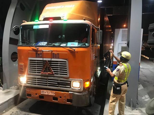 Sau 5 ngày ra quân, CSGT chưa phát hiện tài xế sử dụng ma túy khi lái xe ở Sài Gòn - Ảnh 1.