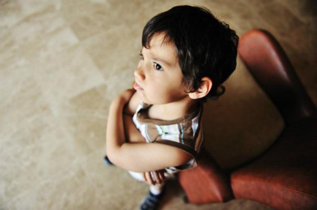 Thấy con có những hành vi ứng xử bất thường này cha mẹ tuyệt đối đừng bỏ qua mà hãy uốn nắn, sửa chữa ngay - Ảnh 3.