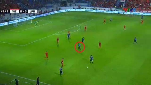 Cho trọng tài mặc áo xanh, AFC vô tình biến trọng tài trở thành cầu thủ thứ 12 của Nhật Bản? - Ảnh 3.