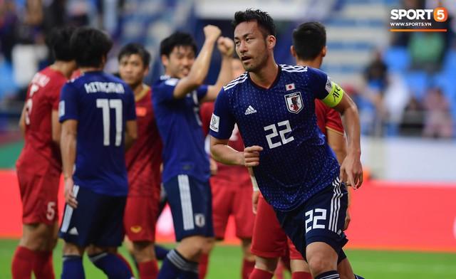 Đội trưởng tuyển Nhật Bản thừa nhận thắng may, chỉ trích các đồng đội sau trận đấu với Việt Nam - Ảnh 1.