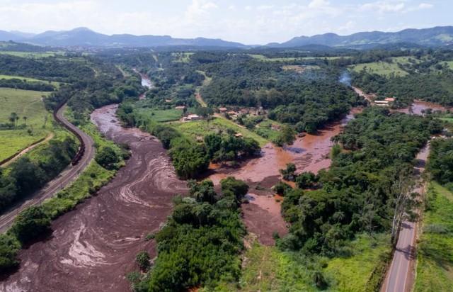 Brazil: Vỡ đập chất thải, hơn 200 người mất tích trong bùn lầy - Ảnh 6.