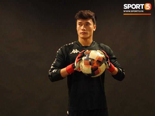 Bùi Tiến Dũng: Tôi muốn bắt chính tất cả các trận đấu của Hà Nội FC - Ảnh 2.