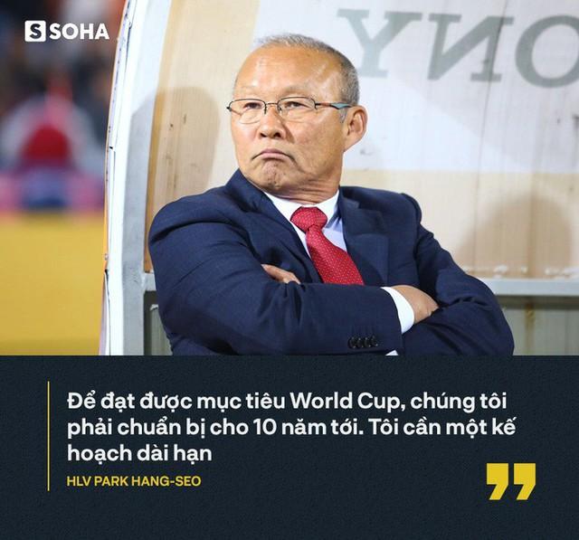 Từ lời thú nhận của thầy Park, đừng để bóng đá Việt Nam mắc kẹt như Trung Quốc - Ảnh 1.