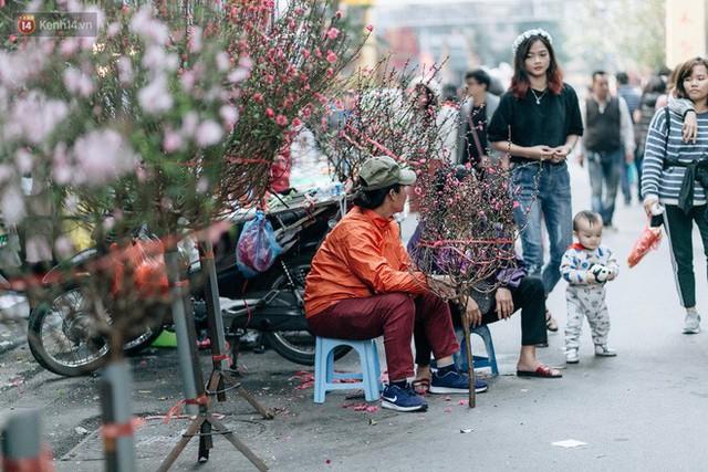 Rộn ràng không khí Tết tại chợ hoa Hàng Lược - phiên chợ truyền thống lâu đời nhất ở Hà Nội - Ảnh 12.