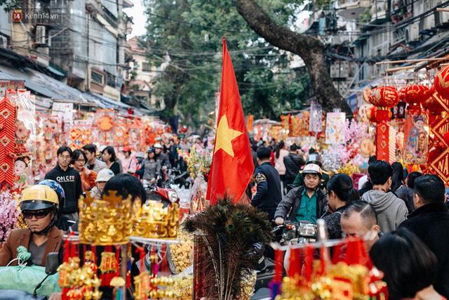 Rộn ràng không khí Tết tại chợ hoa Hàng Lược - phiên chợ truyền thống lâu đời nhất ở Hà Nội - Ảnh 3.