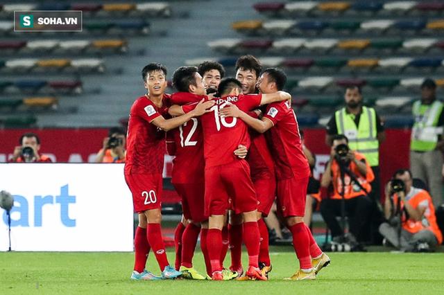 Từ lời thú nhận của thầy Park, đừng để bóng đá Việt Nam mắc kẹt như Trung Quốc - Ảnh 4.