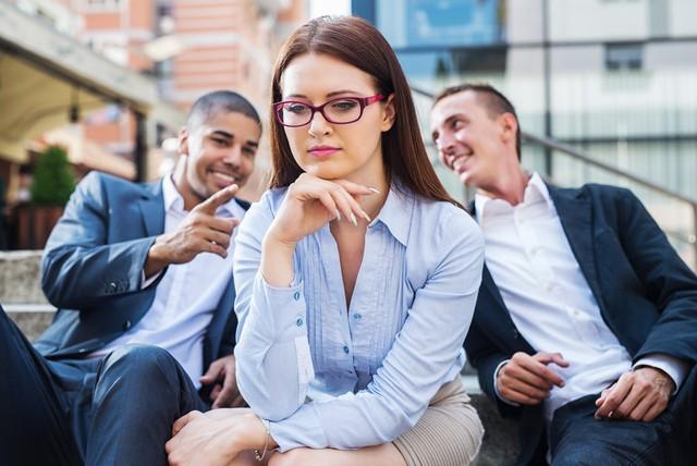 5 sai lầm tuyệt đối phải tránh khi xảy ra mâu thuẫn lớn ở nơi làm việc, hãy cẩn thận nếu không muốn bị đồng nghiệp cô lập, sự nghiệp tiêu tan - Ảnh 1.