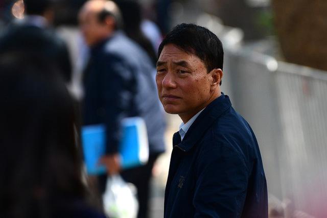 Sau khi bị tuyên hơn 30 tháng tù, 2 cựu Thứ trưởng Bộ Công an bình thản rời tòa - Ảnh 13.