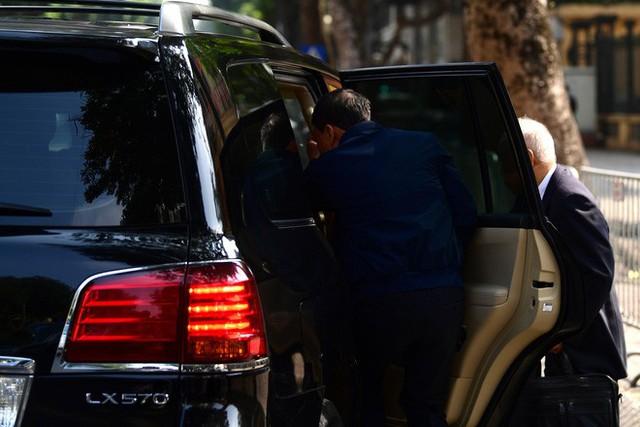 Sau khi bị tuyên hơn 30 tháng tù, 2 cựu Thứ trưởng Bộ Công an bình thản rời tòa - Ảnh 14.
