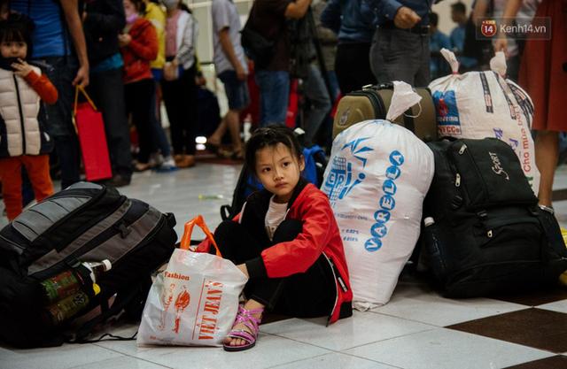 Những nụ cười ở ga Sài Gòn ngày giáp Tết: Trở về sau hơn 19 năm bôn ba nơi xứ người - Ảnh 3.