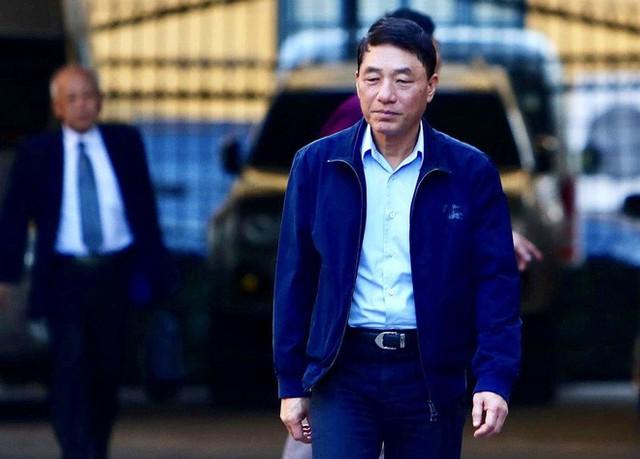 Sau khi bị tuyên hơn 30 tháng tù, 2 cựu Thứ trưởng Bộ Công an bình thản rời tòa - Ảnh 2.