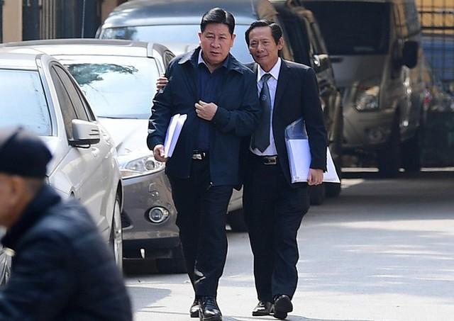 Sau khi bị tuyên hơn 30 tháng tù, 2 cựu Thứ trưởng Bộ Công an bình thản rời tòa - Ảnh 4.