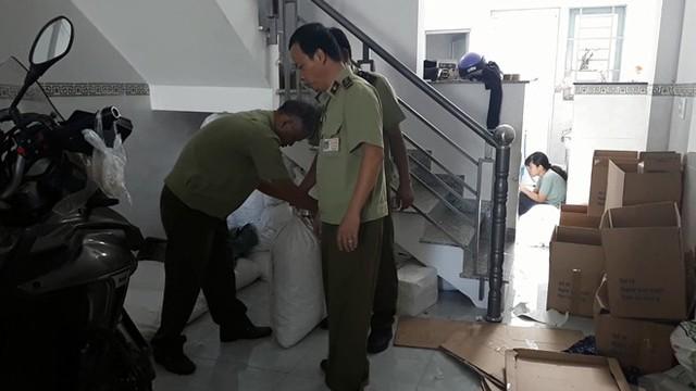 Hàng vạn bao cao su giả hàng hiệu được nhập liệu từ chợ Kim Biên - Ảnh 5.