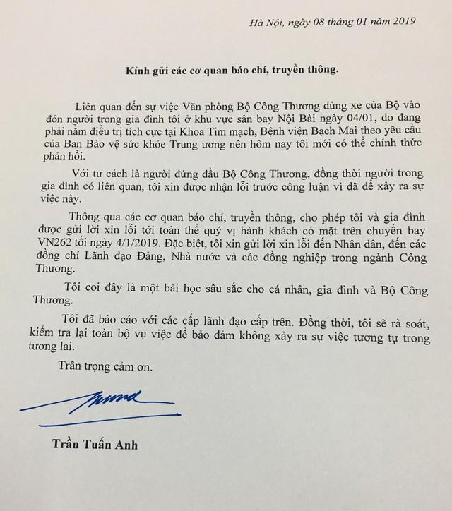 Bộ trưởng Trần Tuấn Anh xin lỗi vụ xe biển xanh đón người nhà - Ảnh 1.