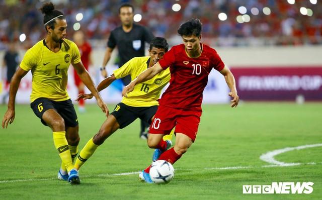 Quang Hải lập siêu phẩm, tuyển Việt Nam xuất sắc đánh bại Malaysia - Ảnh 1.