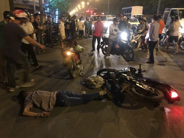 Tham gia giao thông sau trận Việt Nam - Malaysia: Vui thôi đừng vui quá! - Ảnh 8.