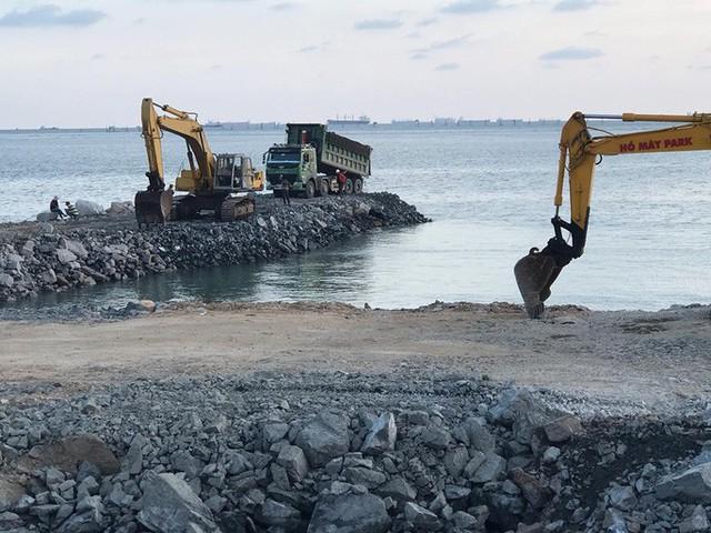 Dự án lấn biển Vũng Tàu làm thủy cung vẫn triển khai ồ ạt  - Ảnh 2.