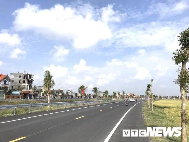 Cận cảnh tuyến đường gần 1.300 tỷ đồng vừa khánh thành ở Hải Phòng - Ảnh 4.
