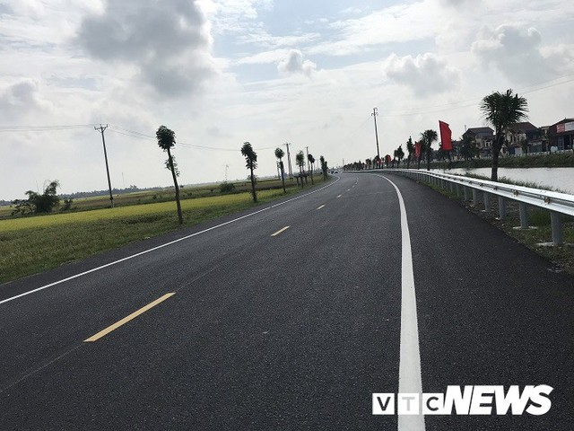 Cận cảnh tuyến đường gần 1.300 tỷ đồng vừa khánh thành ở Hải Phòng - Ảnh 9.