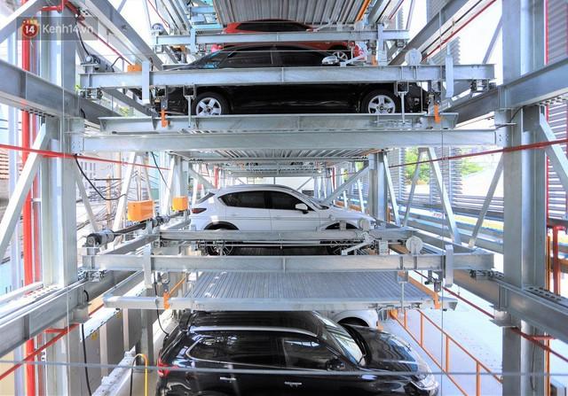 Cận cảnh bãi đỗ xe 6 tầng thông minh, tự động xếp hình đầu tiên ở Đà Nẵng - Ảnh 3.