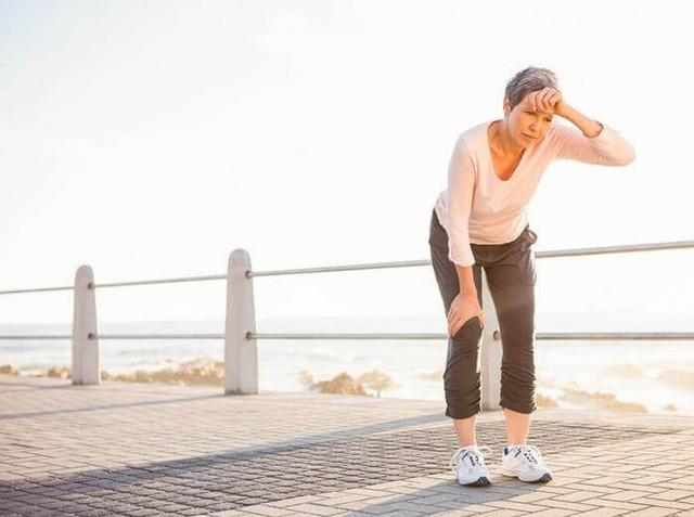 Hãy lắng nghe cơ thể mọi lúc, đừng bỏ qua những biểu hiện dù là nhỏ nhất, vì rất có thể đó là dấu hiệu bệnh tật đang âm thầm tấn công - Ảnh 1.