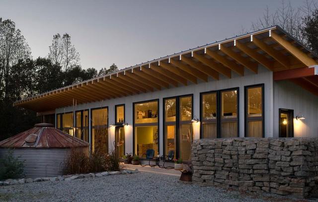 Vẻ đẹp ngôi nhà pha trộn giữa hiện đại và sự mộc mạc vùng nông thôn - Ảnh 2.