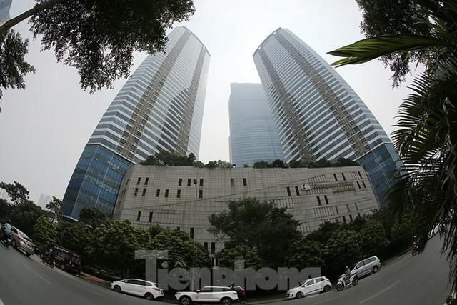 Chiêm ngưỡng top 3 tòa nhà cao nhất Hà Nội qua góc nhìn Flycam - Ảnh 1.