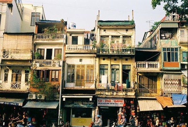 Nhà mặt phố Hoàn Kiếm 520 triệu/m2, sẵn tiền không có mà mua - Ảnh 1.