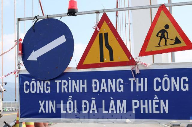 Cận cảnh cầu dây võng 1.000 tỷ dài nhất Việt Nam phải thay mặt đường - Ảnh 10.