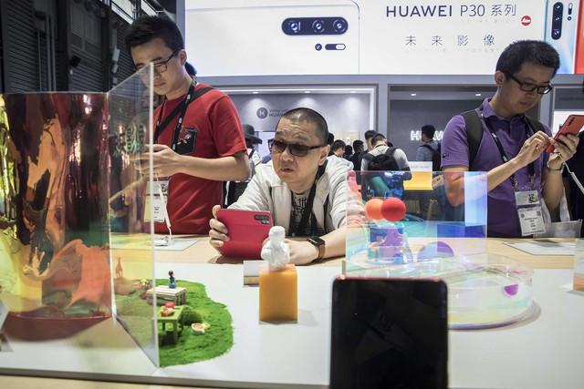 Ác mộng của các nhãn hiệu phương Tây ở Trung Quốc: Bị tẩy chay và quay lưng, người dùng không còn sính ngoại, chuyển sang đồ nhà để thể hiện lòng yêu nước - Ảnh 1.