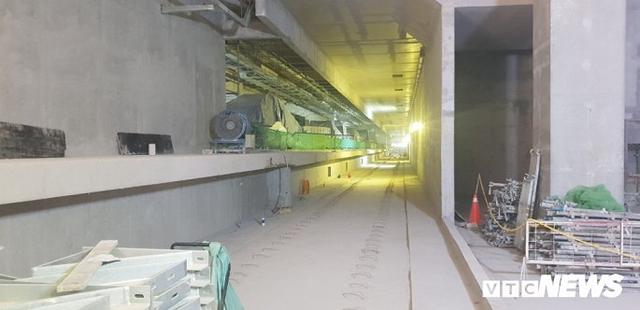 Cận cảnh đường hầm metro Bến Thành - Suối Tiên có nguy cơ trễ hẹn khai thác vào năm 2020 - Ảnh 4.
