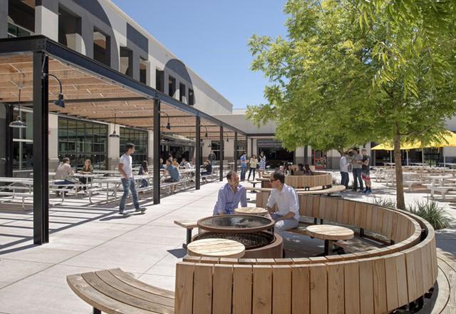 Tò mò suất ăn của nhân viên những công ty đình đám nhất thế giới: Văn phòng Google, Apple, Facebook chẳng thua nhà hàng 5 sao - Ảnh 6.