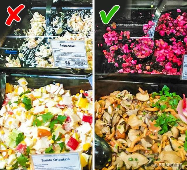 Mánh đóng gói lại bao bì đánh lừa khách mua trong siêu thị - Ảnh 2.