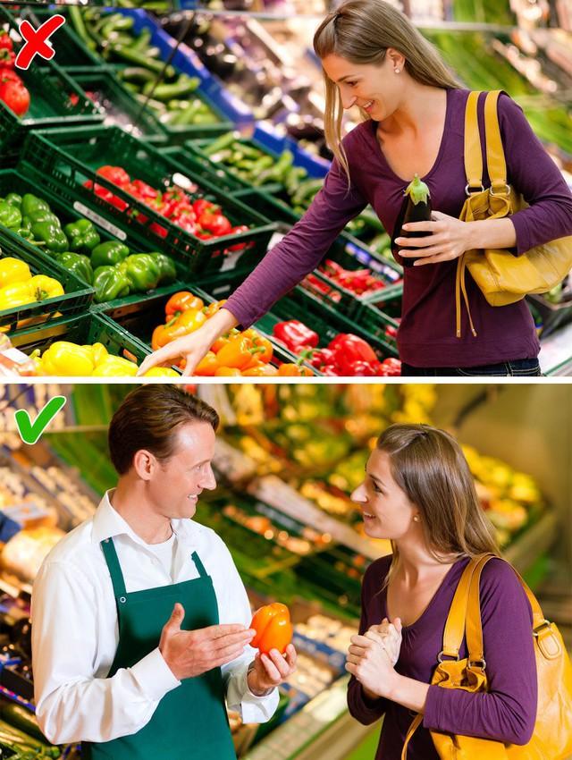 Mánh đóng gói lại bao bì đánh lừa khách mua trong siêu thị - Ảnh 9.