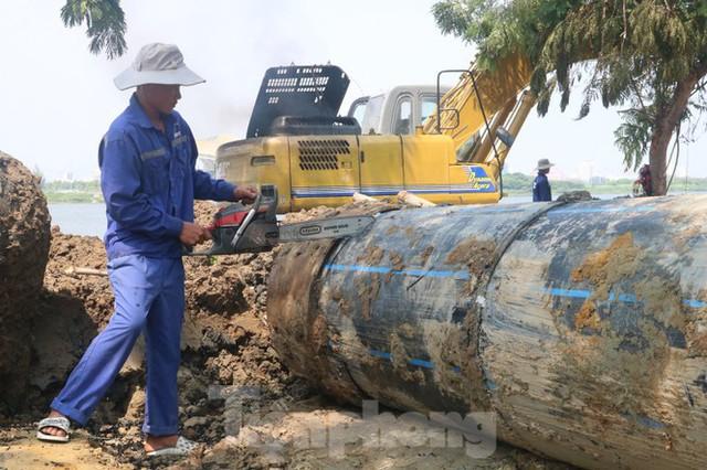 Đường ống khủng dẫn nước xuyên đáy sông Hàn - Ảnh 7.