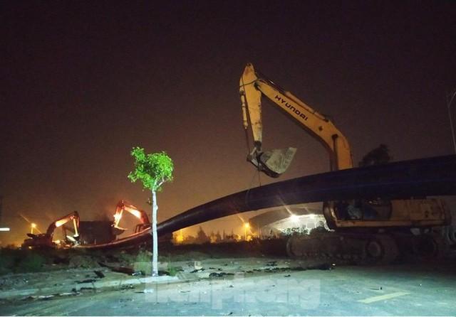 Đường ống khủng dẫn nước xuyên đáy sông Hàn - Ảnh 10.