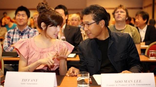 Chuyện gia tộc nhà chủ tịch SM Lee Soo Man: Thái tử ngậm thìa vàng bí ẩn nhất Kbiz và cô cháu gái đình đám châu Á - Ảnh 14.