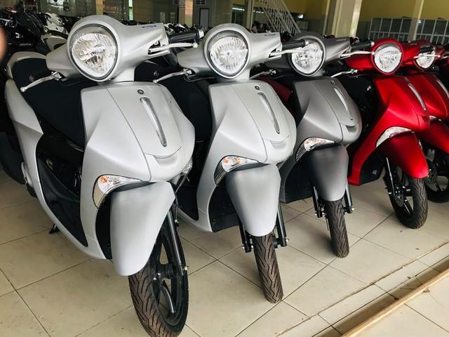 Giá Honda SH đắt khách tăng mạnh, Yamaha ế ẩm hạ giá chênh - Ảnh 2.